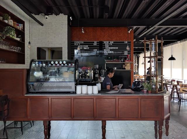 Birdseed Breakfast Club + Cafe