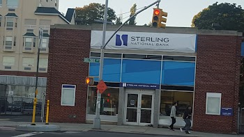 Astoria Bank Payday Loans Picture