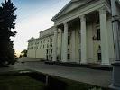 Музыкально-драматический театр им. В. Г. Магара, Соборный проспект, дом 58 на фото Запорожья