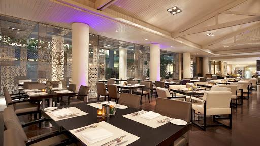 Signatures Restaurant - Hotel Indonesia Kempinski
