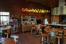 2Hawk Vineyard & Winery, Medford, United States