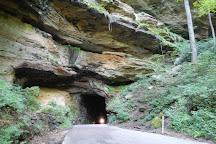 Nada Tunnel, Stanton, United States