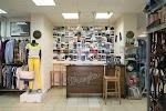Магазин Lee и Wrangler, джинсовая одежда и обувь на фото Барнаула