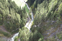 Die Holzgauer Haengebruecke, Holzgau, Austria