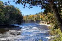 Tahquamenon Falls State Park, Paradise, United States
