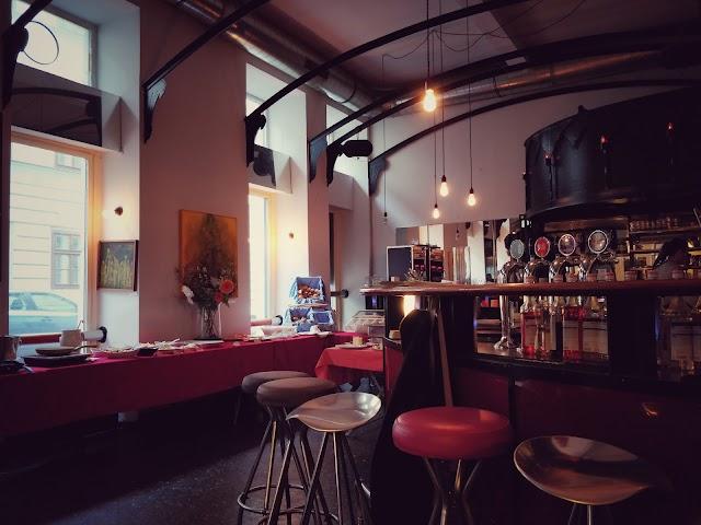 Cafe-Bar Blue Box
