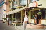 Orange cafe на фото Ковеля