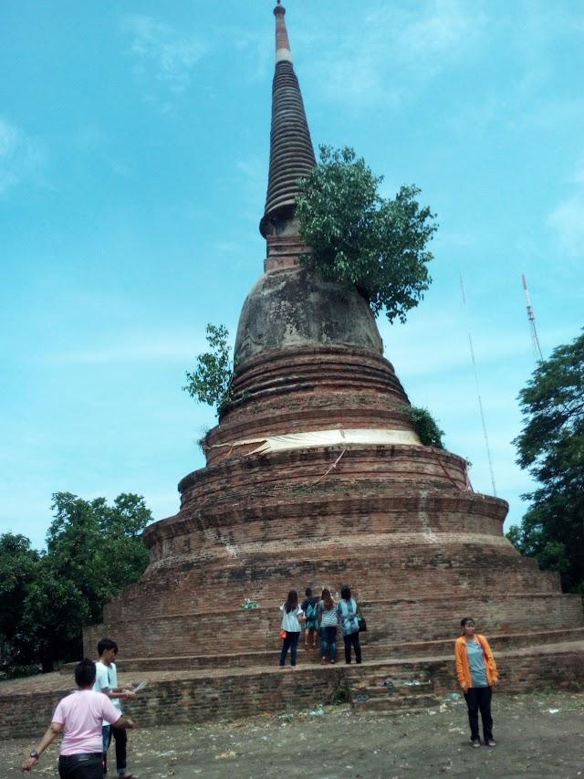 Wat Phra Kaew (Chedi Klang Thung) (Wat Chedi Klang Thung)