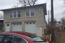 Bonnie and Clyde's Joplin Garage Apartment Hideout, Joplin, United States