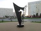 Памятник Татьяне Снежиной
