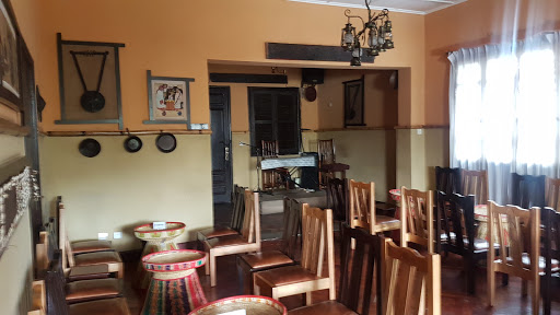 Dashen Traditional Restaurant ዳሽን ባህላዊ ምግብ ቤት