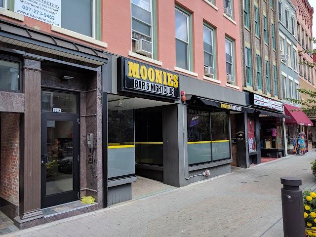 Moonies Bar & Nightclub