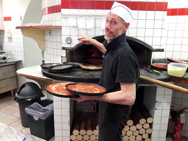 Pizzeria Angelo's Pizza