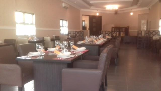 Vanilla Restaurant & Lounge