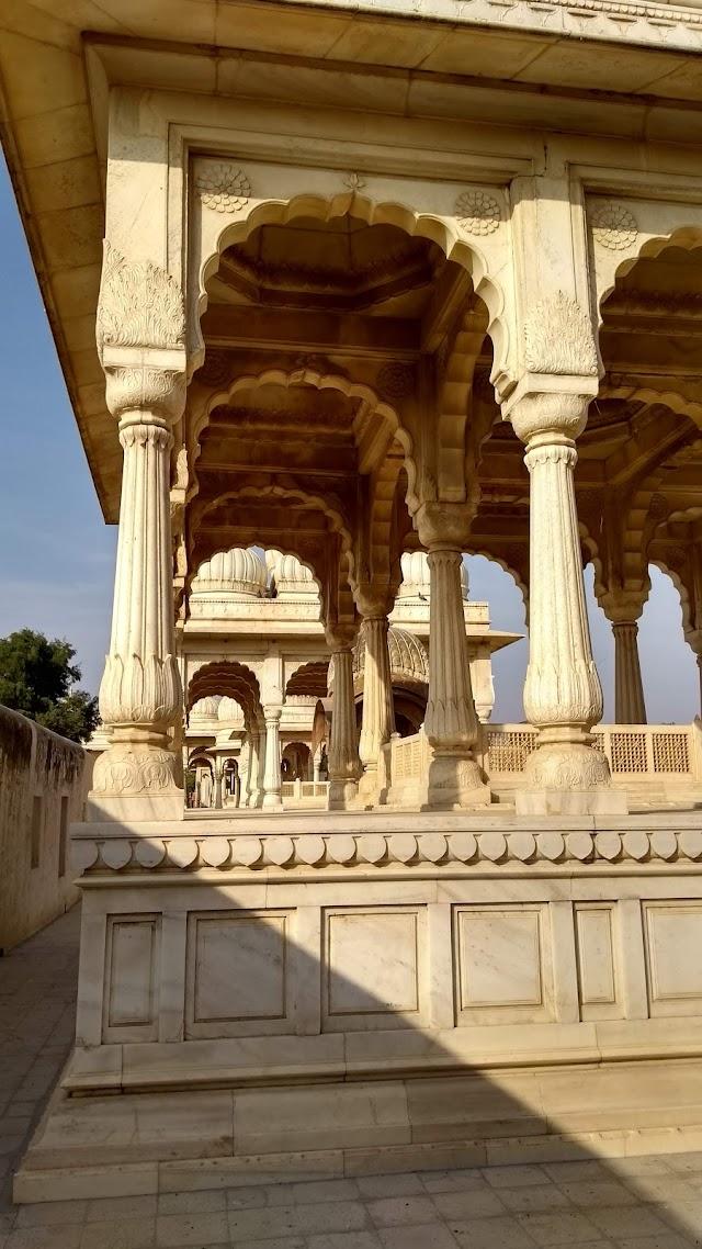 Devi Kund Cenotaphs