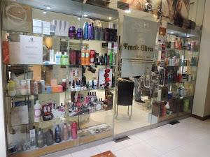 Frank Olivos Salon Y Spa 7