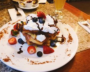 La Mora Patisserie & Café 1