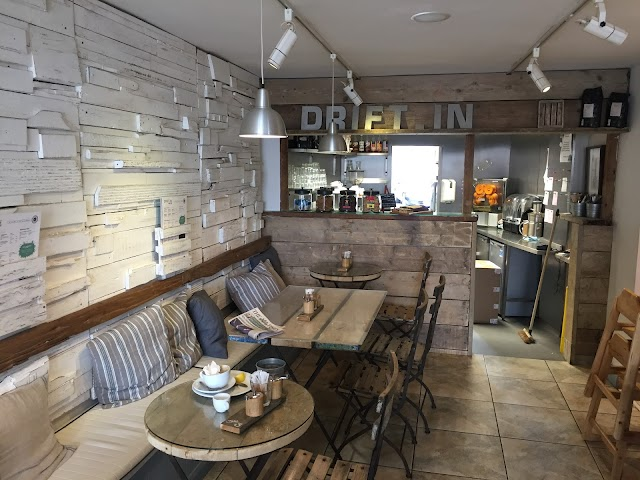 Drift-in Surf Café