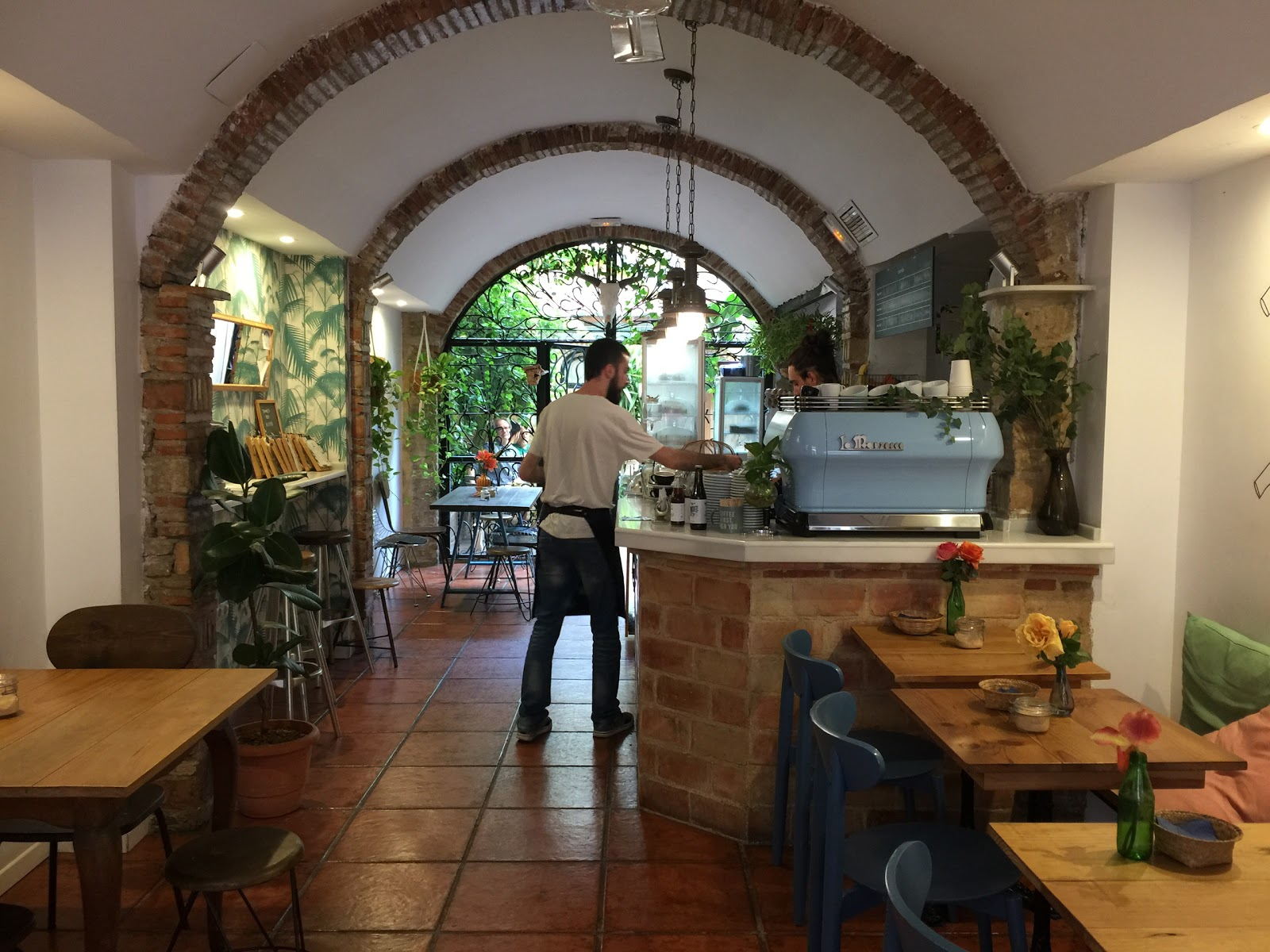 Bluebell Coffee Co.: A Work-Friendly Place in Valencia