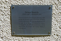Monumento a Nelson Mandela, Milan, Italy