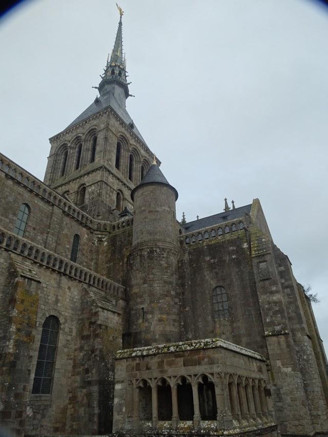 Le Mont Saint-Michel, Mont Saint-Michel