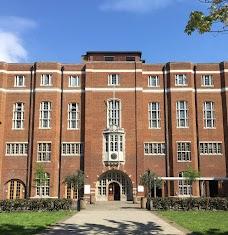 Barking & Dagenham College london