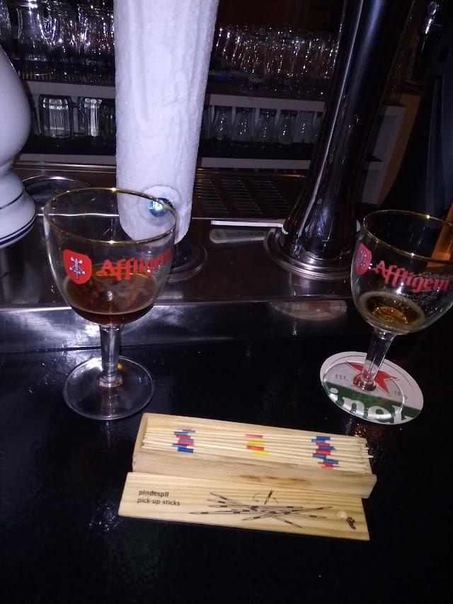 Folks Bar