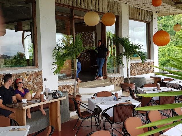 Ashtari Cafe