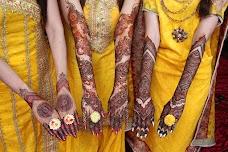 Mahrose Beauty Parlour karachi B & H House
