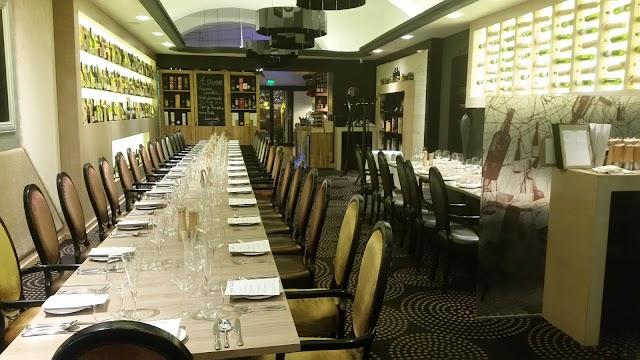 IKON Restaurant,Lounge
