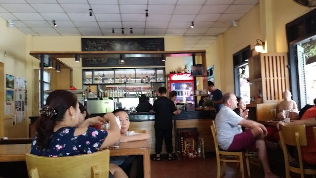 Buddy Ice Cream & Info Cafe