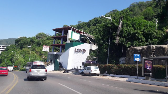 LOVE Acapulco