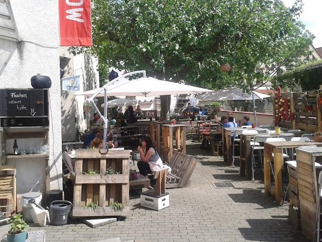 Cafe Bar Live