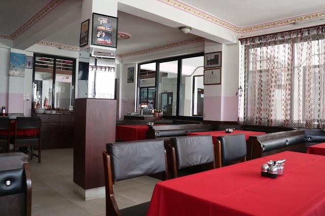 Everest Steak House