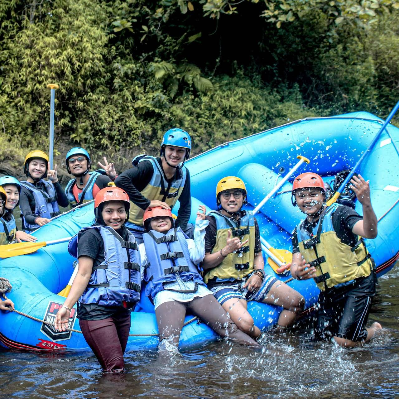 Base Camp Rainbow Rafting Pemalang Wahana Air Arung Jeram Yangmenguji Adrenaline Anda Bersama Kami Abadikan Momen Keseruan Dan Kebahagiaan Bareng Keluarga Atau Teman Teman