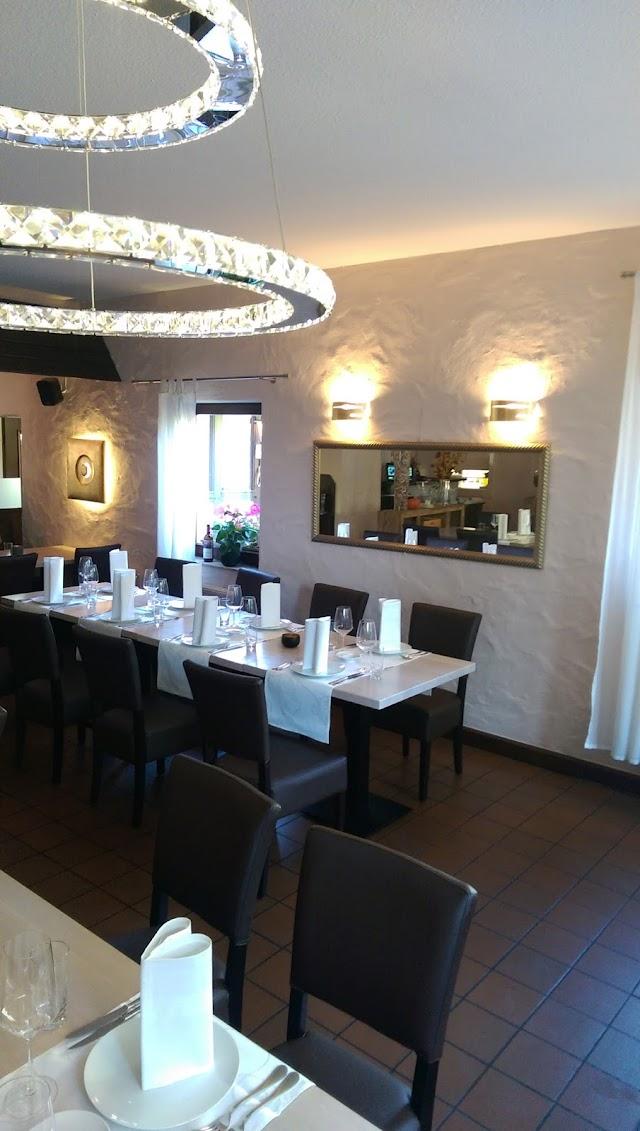 Kostas Restaurant greek mediterran cuisine