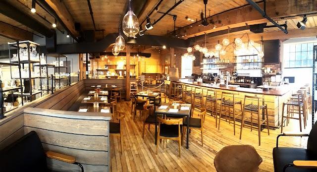 Simon Pearce Flagship: Bar & Restaurant, Retail Boutique & Glassblowing