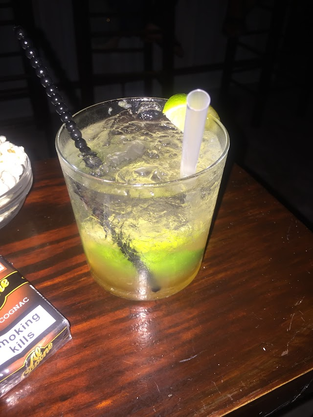Evinos Bar