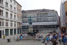 Statua di Daniele Manin, Venice, Italy