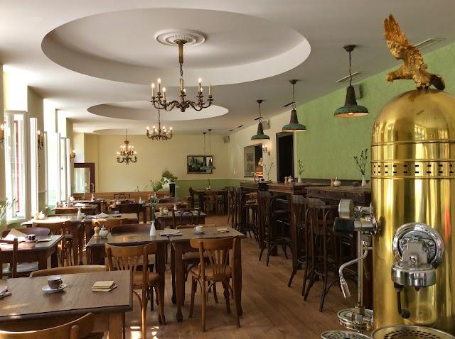 Hellers Kuchenglocke - Biokonditorei & Café