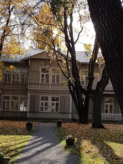 kirjanduskeskus