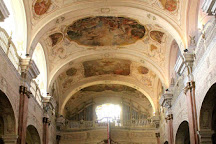 Ferences Rendhaz es Templom, Gyongyos, Hungary
