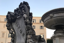 Fontana in Piazza Santa Maria in Trastevere, Rome, Italy
