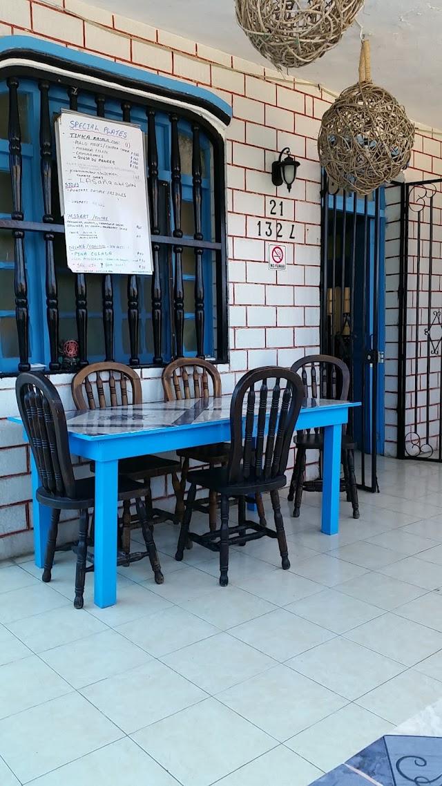 Saboreando Comida India and Tapas Bar