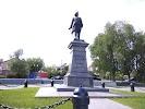 Памятник Петру, улица Комсомольский Спуск на фото Таганрога