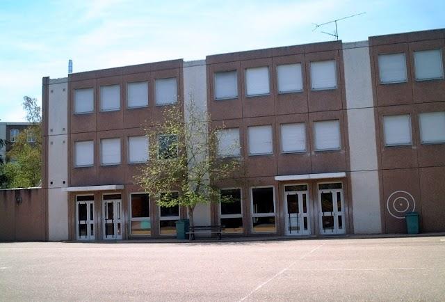 École Primaire Les Étines