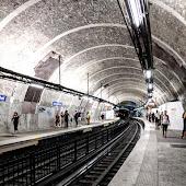 Станция  Saint Michel Notre Dame