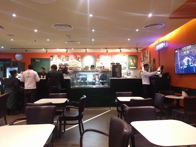 IL CFAE DI ROMA LA CAZZA AL GURUM COMUNITY PLAZA ( FUSIO CAFE) ABU DHABI UAE