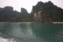 Bai Tu Long Bay, Halong Bay, Vietnam