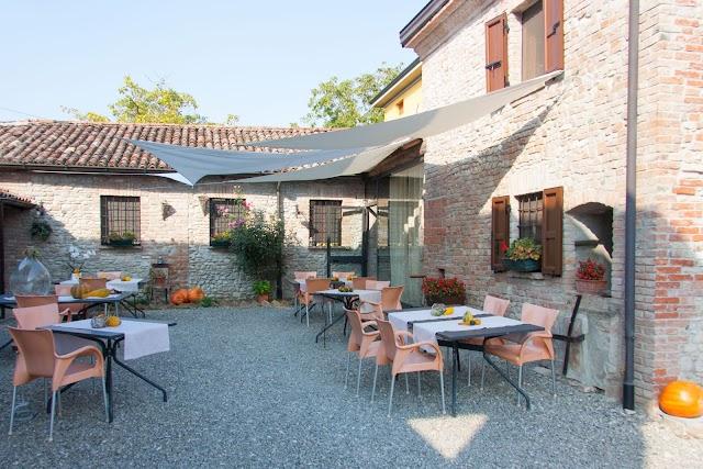 La Cascina Restaurant